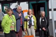 <h5>Begrüßung </h5><p>vlnr: Frau Dr. Fabritius (Museumsleiterin), Kalle Kersthold (stellvertretender Bürgermeister), Jutta Hasselbach und Ulrike Lohhoff-Erlenbach (Haus der Natur)</p>
