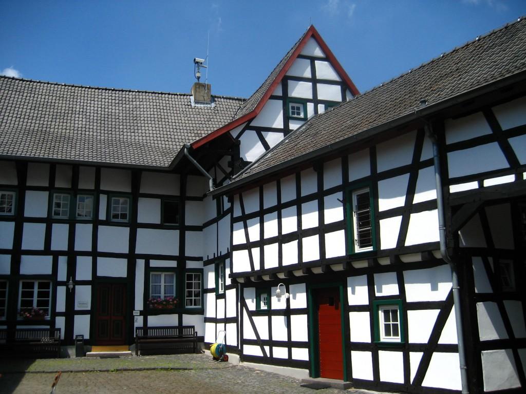Innenhof des Glasmuseums Rheinbach