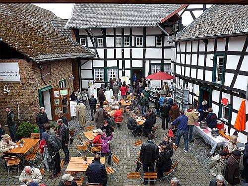 Frühlingsmarkt im Himmeroder Hof